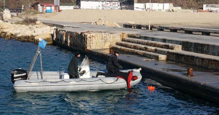 снимки БулфотоВодолази на ВМС провериха и обезопасиха дъното на морето