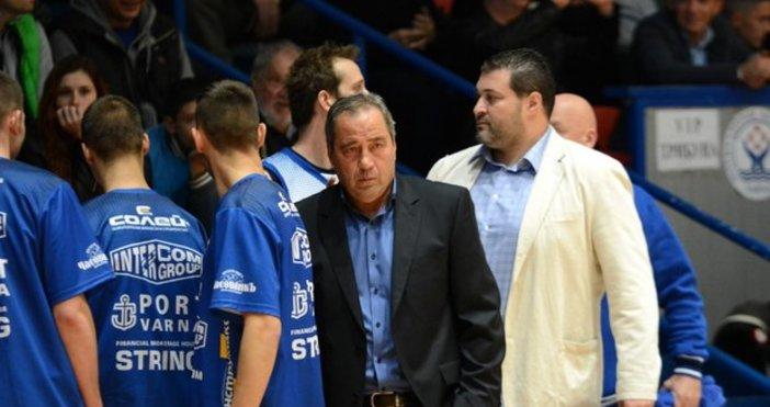 Старши треньорът на Черно море Тича Дарин Великов е с