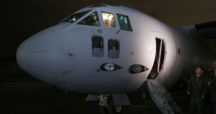 """Снимка: Министерство на здравеопазванетоВоеннотранспортен самолет C-27J """"Спартан"""" е аварирал при"""