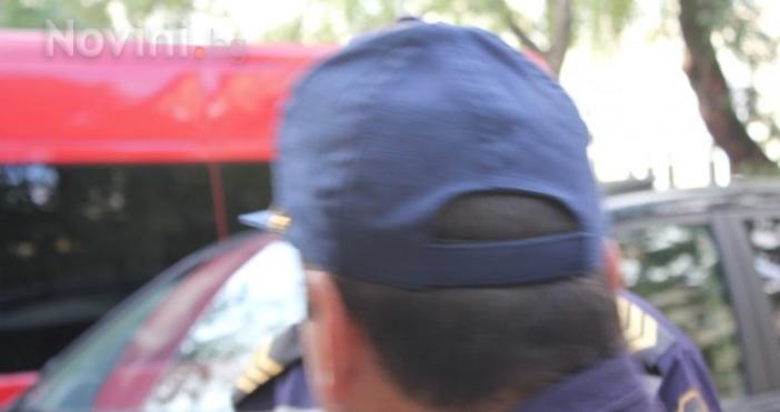 Пиян шофьор на камион нападна полицаи в Прохода на Републиката,