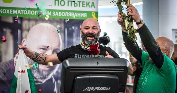 Снимка: Георги ДаскаловУлтрамаратонецът Красимир Георгиев заслужено обира овациите вече трети