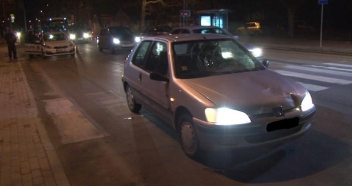 Снимка: btvnovinite.bgДвама пешеходци са настанени в болница, след като автомобил