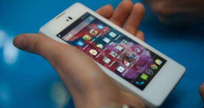 Абонати на мобилни оператори плащат всеки месец за GSM и
