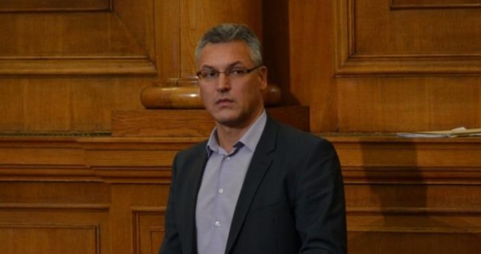 Снимка: Канал3Депутатите гласуват оставката на заместник-председателя на Народното събрание Валери