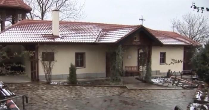 """През 1829 година руски войници построяват църквата """"Света Троица"""" в"""