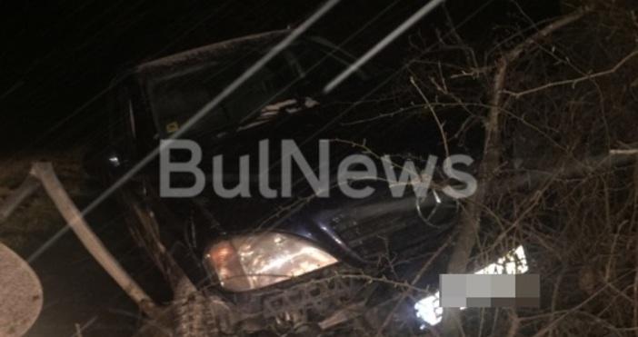 Снимка: Мистериозна катастрофа с черен тузарски джип край Враца! Къде е шофьорът?