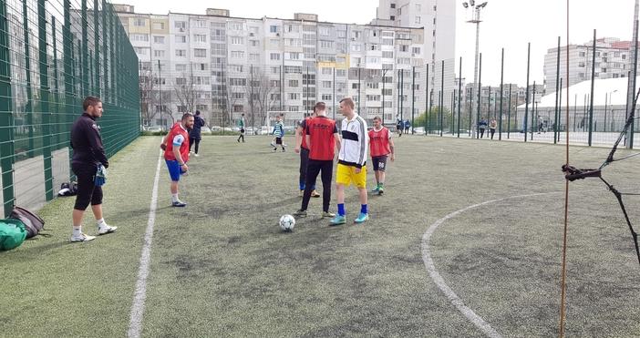 Първият отбор на Медицинския университет, воден от легендата Божил Колев,