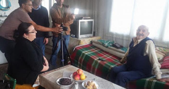 Снимка: 24smolian.comБразилски телевизионен екип снима в Момчиловци филм за родопското