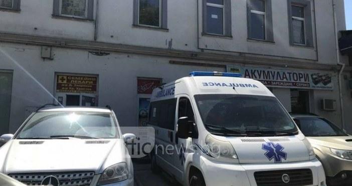 СнимкаTrafficNews.bgВ рамките на 10 минути ебила открадната линейката, паркирана пред
