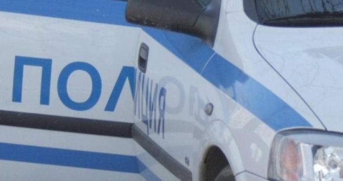 Снимка: БулфотоПиян бургазлия направи опит да премине през полицейска кола,