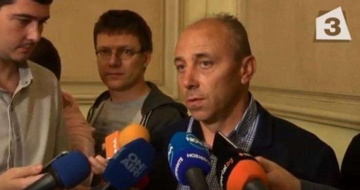 Треньорът на Черно море Илиан Илиев останатрети след Николай Киров