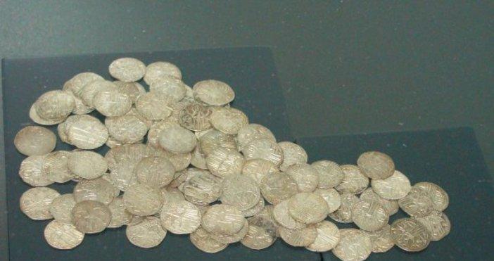 Снимка: Булфото, архивАнтични и средновековни монети, задържани при опит за