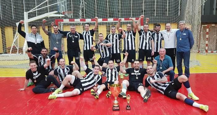 Хандбалният Локомотив стана шампион на България за втори пореден път