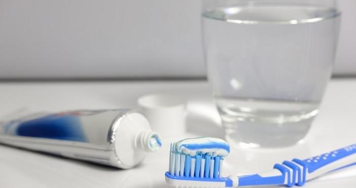 Антибактериалният агент триклозан, който се съдържа в сапуни, пасти за