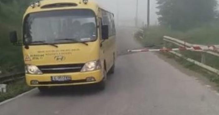 Дългогодишният шофьор Йордан Попгерасимов е бил зад волана на автобуса
