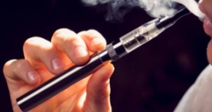 iStockphotoАроматите в електронните цигари могат да предизвикат сърдечносъдови болести, инсулт