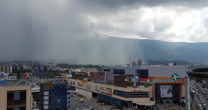 Снимки: БТВ и фейсбукПоложението след силната гръмотевична буря и проливният