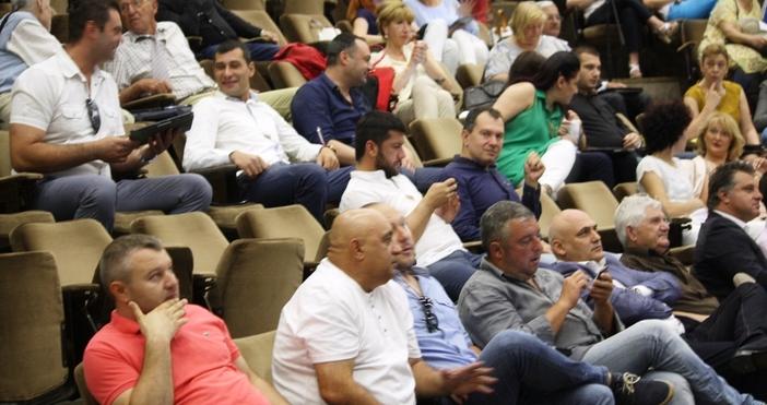 Общинският съвет във Варна одобри сделка за замяна на акциите