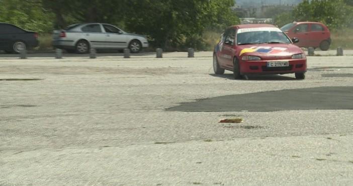 Снимка: btvnovinite.bgОсновната грешка на българските шофьори е неволното движение с