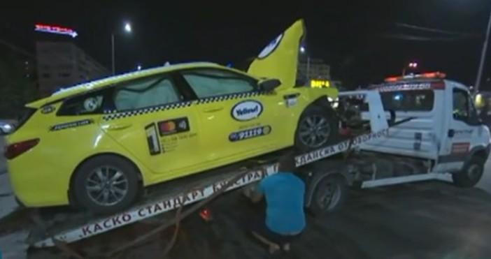 кадър: БтвПетима души пострадаха при катастрофа с такси на столичните