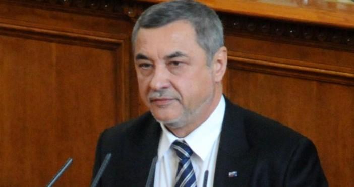 Вицепремиерът Валери Симеонов защити освободената зам.-министърка на социалната политика Росица