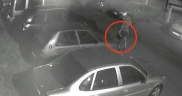 Непълнолетен крадец отмъкна акумулатор от автомобил в центъра на Бургас.