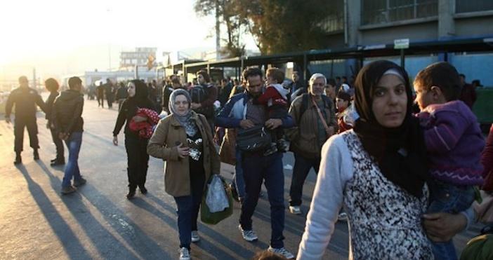 Петимапакистански бежанци, които нелегално преминали в България, са били върнати