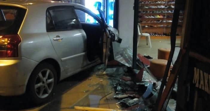 Снимки и видео: ФлагманЗрелищна катастрофа стана преди няколко минути на