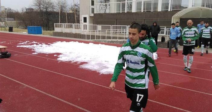 Футболистът на Черно море Мартин Костадинов продължава да се възстановява