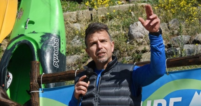 Булфото, архивПрез почивните дни почитатели на алпиниста Боян Петров му