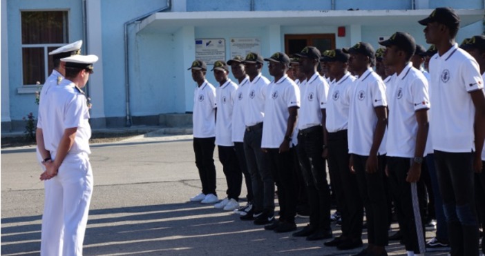 Снимка: Maritime.com.39 младежи от Ангола започнаха обучение във Висшето военноморско