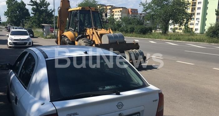 Полицията засече фадрома, превозваща крадено гориво във Враца, съобщаваBulNews.bg. Машината,