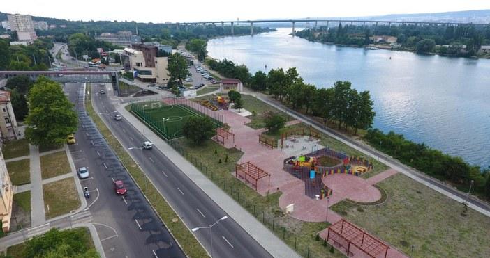 снимки и видео: Live.Varna.bgДва от общо трите инфраструктурни проекта в