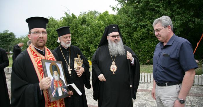 С литургия за здраве и благополучие, отслужена от Варненския и