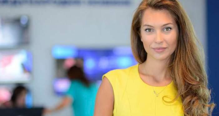 Станкулова е родена на 8 август 1988 г. вСофия.Ето какво