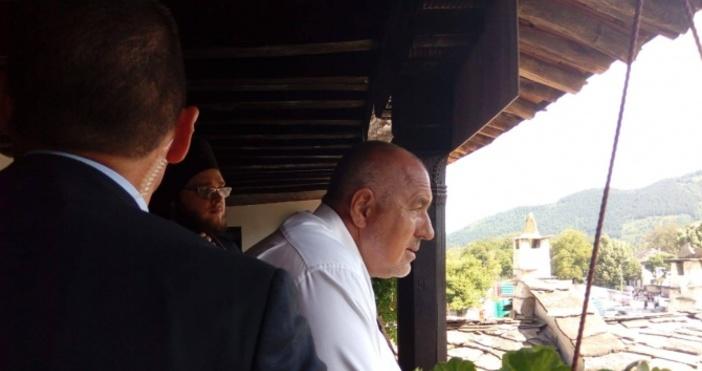 След редовното заседание на Министерски съвет премиерътБойко Борисовпосети Троянския манастир.Днес