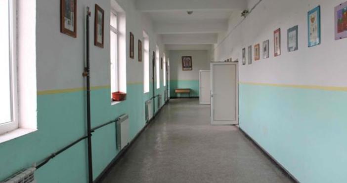 Близо 50училища в страната ще открият учебната година с продължаващи
