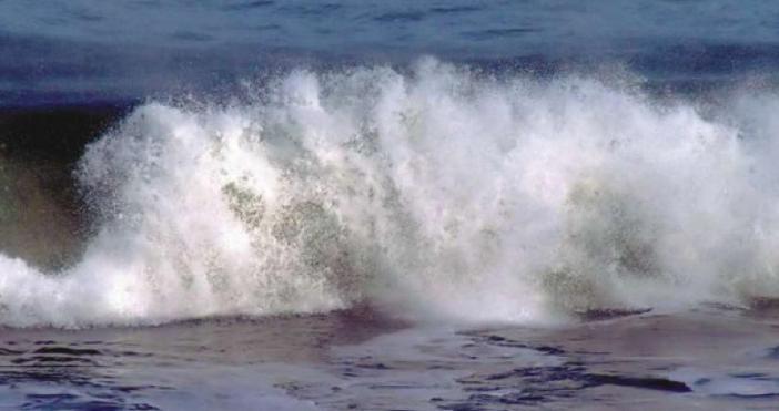 Ще стихнат ли огромните вълни през последните две седмици, които