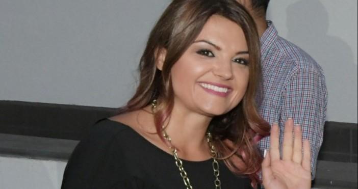 Петя Дикова е родена на днешния ден през 1984 г.Петя