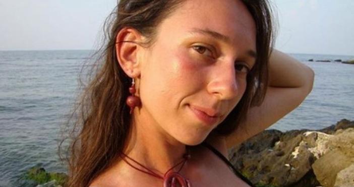 Жената на трагично загиналия в Алпите алпинист Боян Петров -