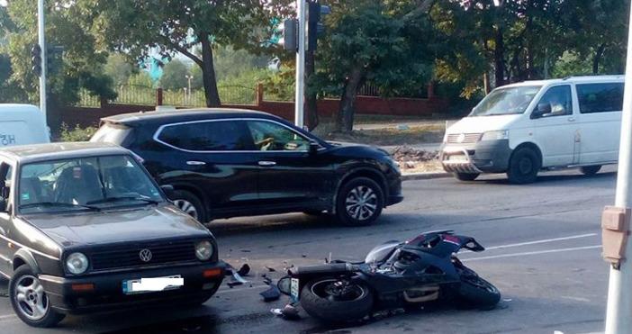 Снимка: Стоян Карадимов, Виждам те КАТ-Варнамоторист е с опасност за