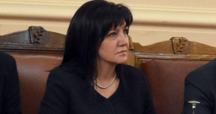 Снимка: БулфотоПредседателят на парламента Цвета Караянчева свиква извънредно заседание на