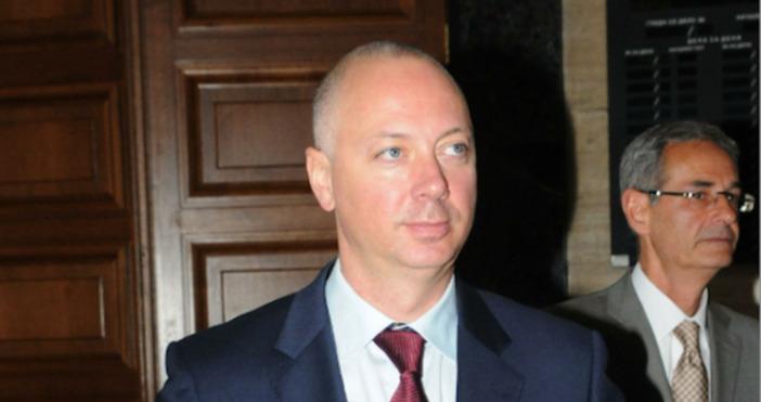 """Снимка: БулфотоГлавният секретар в кабинета """"Борисов 1"""" Росен Желязков е"""