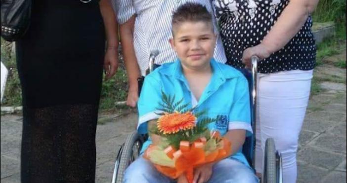 Снимка фейсбукИвайло Карабанчев има не лека съдба. Едва 5-годишен започва