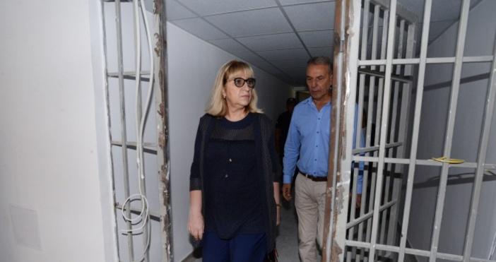 Снимка: Министерство на правосъдиетоМинистърът на правосъдиетоЦецка Цачевапосети затвора в Стара