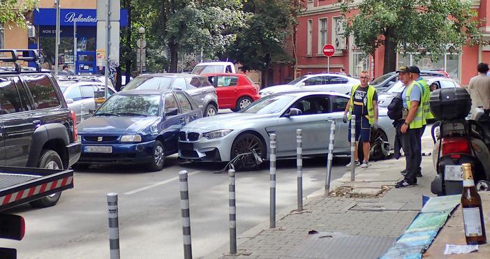 Снимка Булфото Изгубено управление и на спортно BMW с голяма
