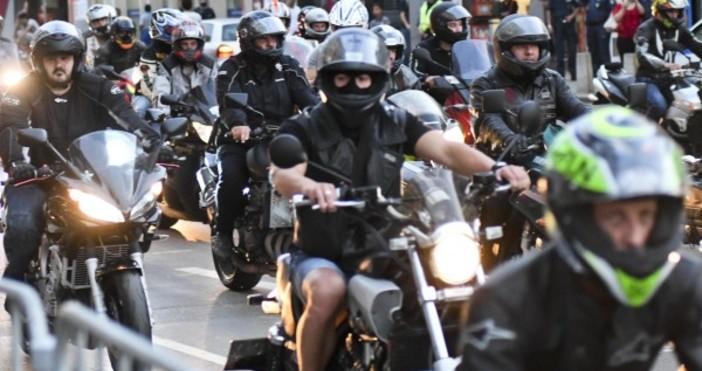 То е в памет на загиналите на пътя мотоциклетистиВ събота