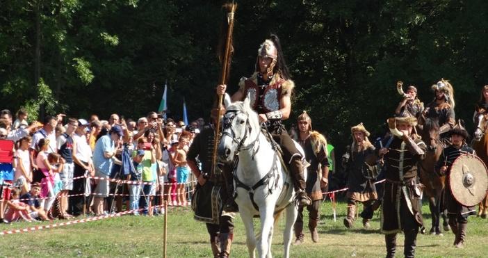 """снимки: Live.Varna.bgНад 2000 зрители присъстваха днес на военно-историческата възстановка """"Българската"""