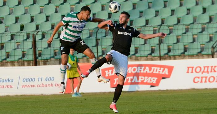 Министърът на спорта Красен Кралев изгледа на живо двубоя между