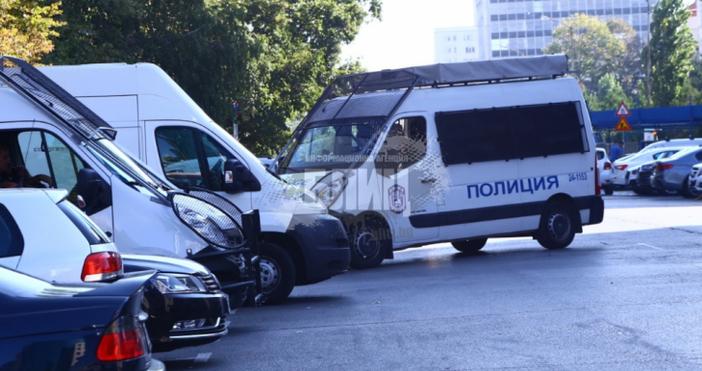 Снимка: Блиц, видео: TrafficNewsМаксимален брой служители на полицията са ангажирани